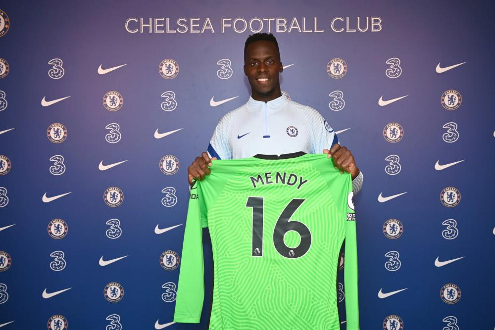 Screenshot_2020-09-25 Edouard Mendy exclusive first interview Keeper on what a privilege it is to join Chelsea, buying a Bl[...].jpg